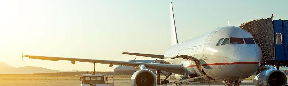 Flugzeug am Flughafen